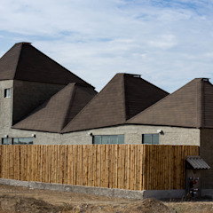 by Lores STUDIO. arquitectos Rustic Chipboard