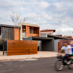 Granada House by Estúdio HAA! Modern