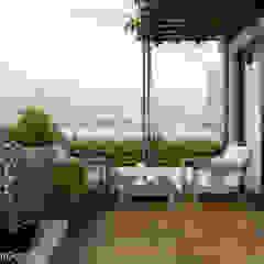 Thiết kế nhà phố Tân Phú: Vẻ đẹp bình dị chan hoà thiên nhiên Hiên, sân thượng phong cách hiện đại bởi Công ty cổ phần đầu tư xây dựng Không Gian Đẹp Hiện đại