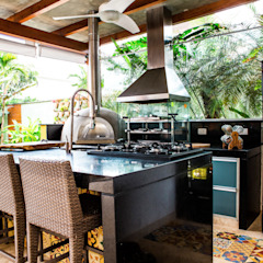 Tropical style balcony, porch & terrace by VN Arquitetura Tropical