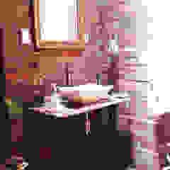 Baño: mueble para lavabo Baños eclécticos de Constructora e Inmobiliaria Catarsis Ecléctico Ladrillos