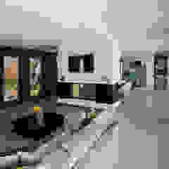 Residência J&M Salas de estar modernas por UNISSIMA Home Couture Moderno