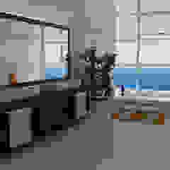 Otras Viviendas de clima Madio y Cálido Baños de estilo moderno de Arquitectos y Entorno S.A.S Moderno