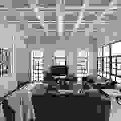 Ping House Ruang Keluarga Klasik Oleh w.interiorstudio Klasik