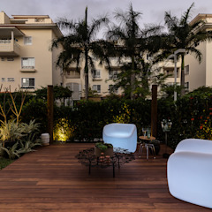 Jardin tropical par branco arquitetura Tropical
