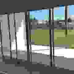 La Cardera Puertas y ventanas modernas de Estudio Victoria Suriguez Moderno