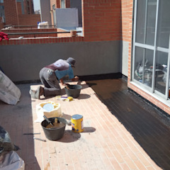 Modern balcony, veranda & terrace by CELIS & CELIS INGENIEROS CONSTRUCTORES S.A.S Modern