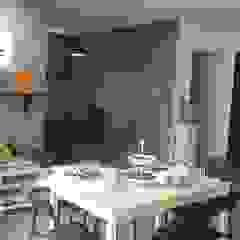 My Studio من Tamara Himmo Design House ريفي