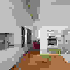 Interior Design Sartoriale a Milano di JFD - Juri Favilli Design Moderno Legno Effetto legno