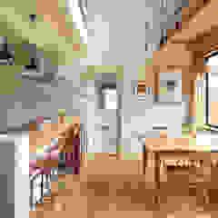 本とともに暮らす家 北欧デザインの ダイニング の こぢこぢ一級建築士事務所 北欧 木 木目調