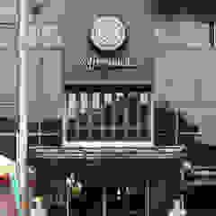 Tampak depan The Coffeenatics Spasi Architects Gastronomi Gaya Industrial Besi/Baja Black