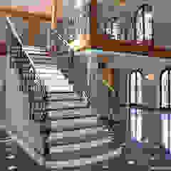 에클레틱 복도, 현관 & 계단 by Pietre di Rapolano 에클레틱 (Eclectic) 대리석