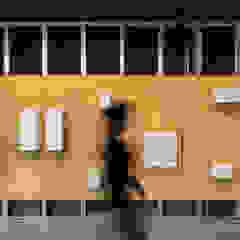 The Caveman Lojas e Espaços comerciais minimalistas por Tiago do Vale Arquitectos Minimalista