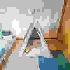 Quarto de Criança por YS PROJECT DESIGN Escandinavo