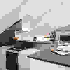 MANSARDA&TERRAZZO di Viú Architettura Moderno Legno Effetto legno