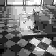 Paredes e pisos coloniais por CRUZAT ARQUITECTURA Y CONSTRUCCION Colonial