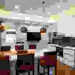 Gera Green Modern study/office by Rita Mody Joshi & Associates Modern Plywood