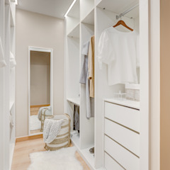 Country style dressing room by Santiago   Interior Design Studio Country