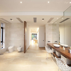 The Lake Dragon Minimalist style bathroom by Clifton Leung Design Workshop Minimalist