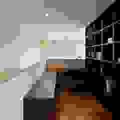 Tk house モダンデザインの 書斎 の 仲間郁代建築設計事務所株式会社(英名:IKUYO NAKAMA ARCHITECT & ASSOCIATES) モダン