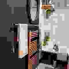 Bathroom makeover Baños de estilo industrial de THE FRESH INTERIOR COMPANY Industrial