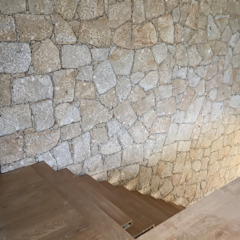 Paredes y pisos minimalistas de Cláudia Pinto Silva . arquitecta Minimalista