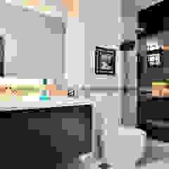 Terrace @ Saraca Place Modern bathroom by AgcDesign Modern