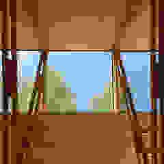 por 2712 / asociados Rústico Madeira Acabamento em madeira