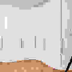 Highgate Home Refurbishment Dormitorios de estilo moderno de Patience Designs Moderno