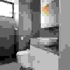 Eightytwo Scandinavian style bathroom Quartz Black