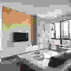 Eightytwo Scandinavian style living room Wood Wood effect