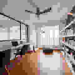COMPASSVALE ANCILIA II Scandinavian style study/office by Eightytwo Pte Ltd Scandinavian Wood Wood effect