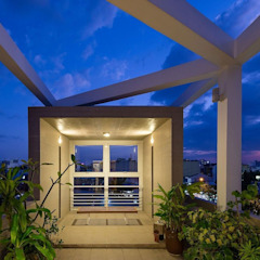 Mẫu Thiết Kế Nhà Ống 4 Tầng Đẹp Mặt Tiền 3,5x18m Ở Quận 7 Hiên, sân thượng phong cách hiện đại bởi Công ty TNHH Xây Dựng TM – DV Song Phát Hiện đại