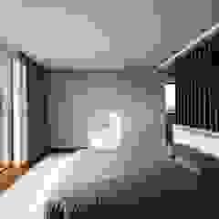 Marta House - Architecture: Risco Singular-Arquitectura Lda Arqº. Paulo Costa e Arqª. Sónia Abreu Quartos minimalistas por Risco Singular - Arquitectura Lda Minimalista