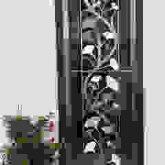 の Edelstahl Atelier Crouse - individuelle Gartentore モダン 金属