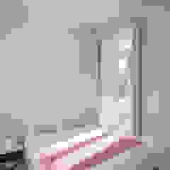 Casa de Camões Quartos minimalistas por Pedro Ferreira Architecture Studio Lda Minimalista