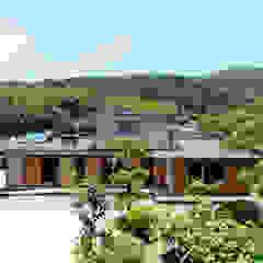 Scandinavian style houses by 山道勉建築 Scandinavian Wood Wood effect