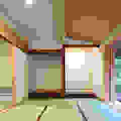 Scandinavian style media rooms by 山道勉建築 Scandinavian Wood Wood effect