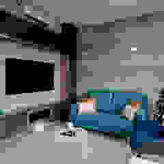 Modern living room by Designer House Modern Limestone