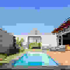 modern lodge by drew architects + interiors Modern Stone
