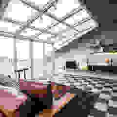 توسط SING萬寶隆空間設計 صنعتی