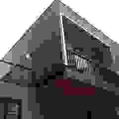 CASA AV Casas estilo moderno: ideas, arquitectura e imágenes de corner Moderno