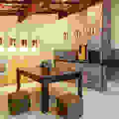 Área de Lazer - Vilas do Atlântico Garagens e edículas rústicas por DUE Projetos e Design Rústico Madeira Efeito de madeira