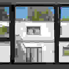 por Grotegut Architekten Moderno
