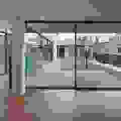 Puertas y ventanas modernas de L'eau Design Moderno