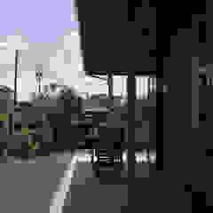 من 塚野建築設計事務所 إستعماري خشب Wood effect