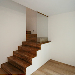 4인 가족을 위한 2층 현대 한옥 by 디자인 스루딥 한옥