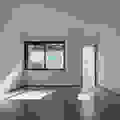 緑と眺望を楽しむ長屋建て住宅 モダンデザインの ホームジム の 設計事務所アーキプレイス モダン