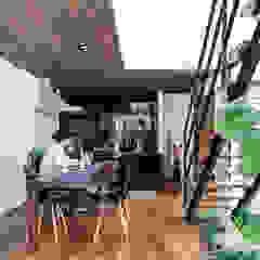 Asian style dining room by 納得住宅工房株式会社 Nattoku Jutaku Kobo.,Co.Ltd. Asian
