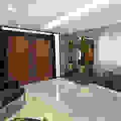 Modern corridor, hallway & stairs by Rodrigo Westerich - Design de Interiores Modern لکڑی Wood effect